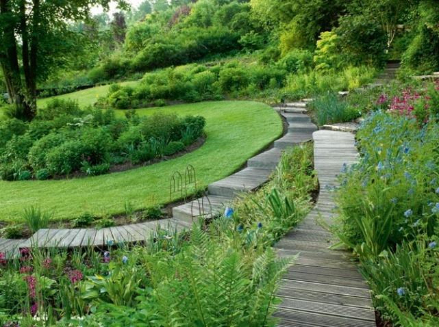 Un jardin design avec des mat riaux cologiques - Jardin de maison design ...