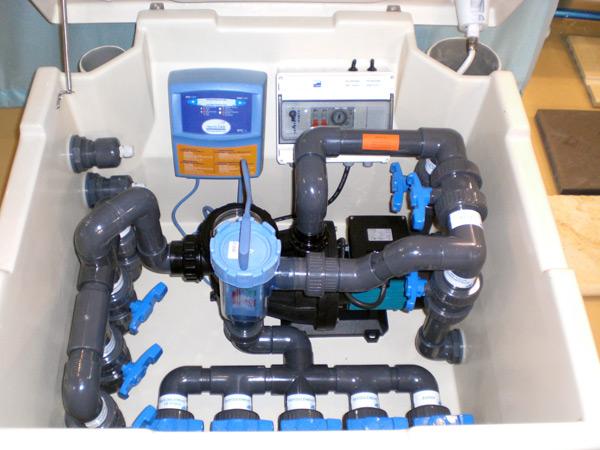 La robinetterie pour la piscine for Local technique piscine semi enterree